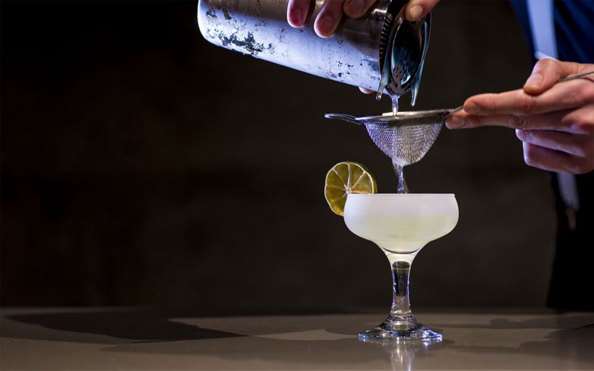 COCKTAIL MASTERCLASS AT DINE